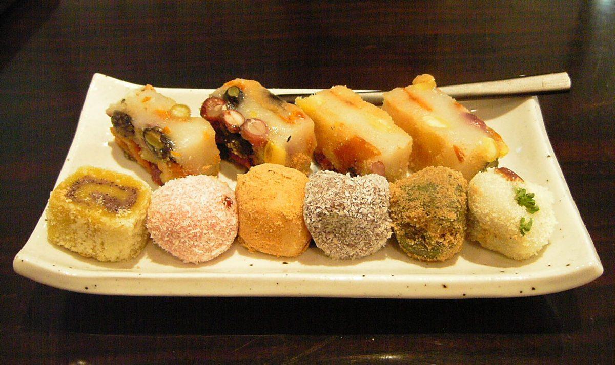 "Tteok rice cakes – ""soul"" in Korean trays"